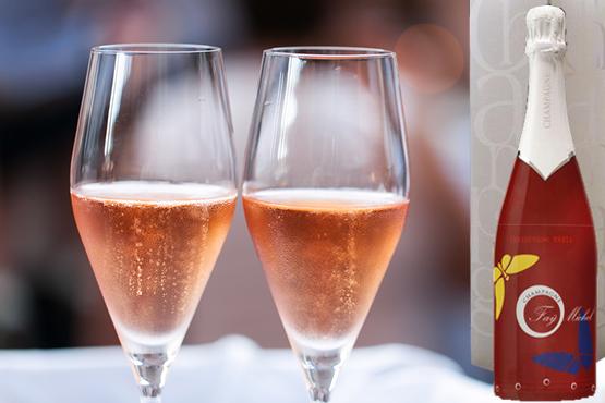 l'histoire raconte le voyage d'une bulle de champagne par un couple de papillons, une création de la fabrique des images